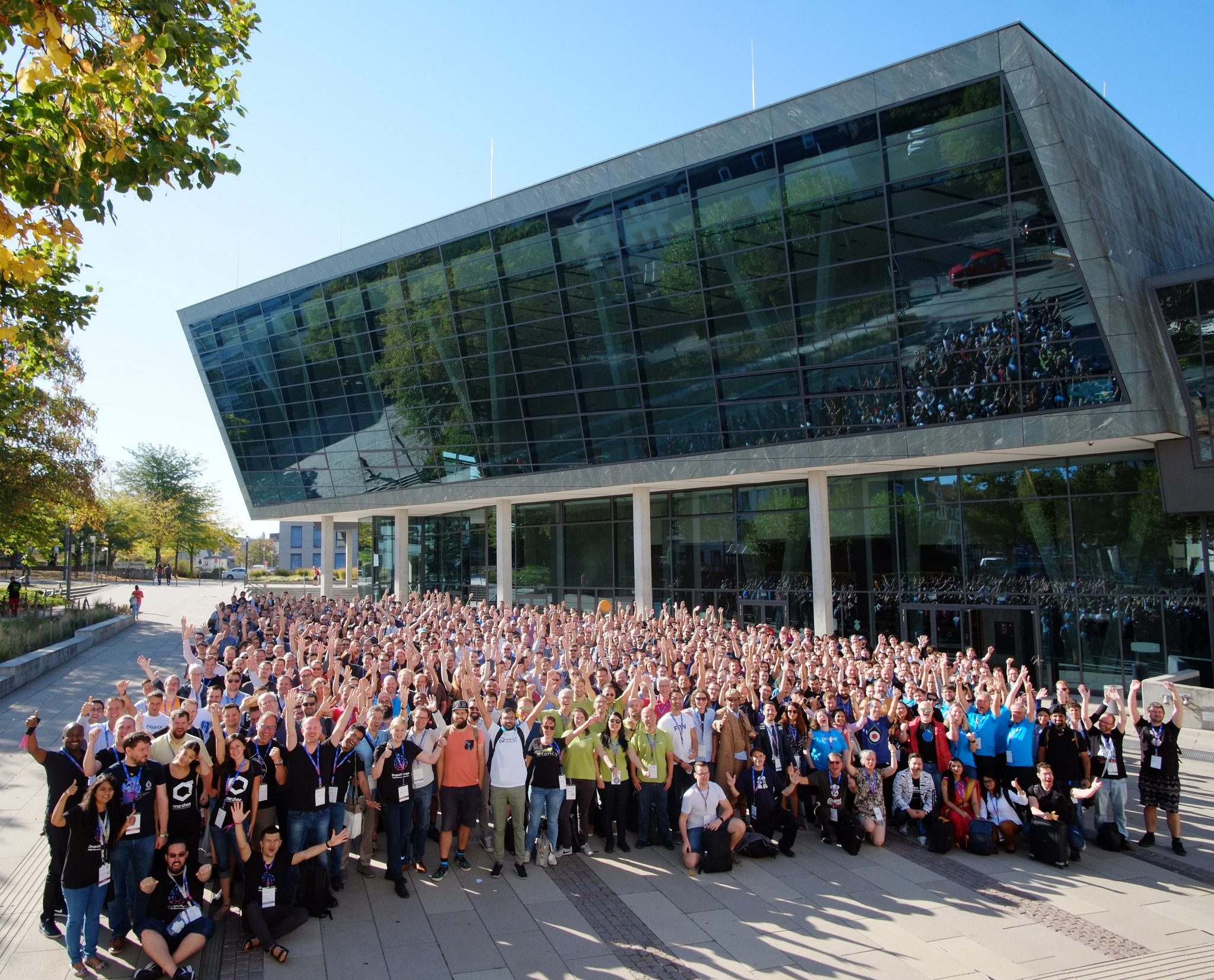 Official Group Photo Drupal Europe Darmstadt 2018 https://www.flickr.com/photos/amazeelabs/43723875575/ (CC BY-NC-SA 2.0)